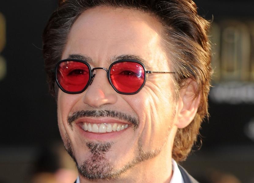 Óculos com lentes coloridas são tendência   Quevedo - Joalheria e Ótica ddfe38c491