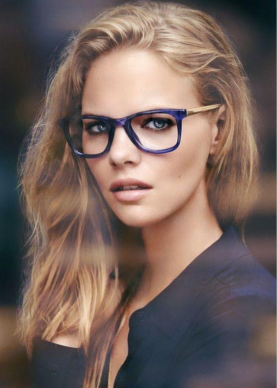 70eacdafa Escolher os óculos ideais pode ser uma tarefa muito difícil para quem não  dispõem de tempo e habilidade necessários. Quem não gosta do acessório e se  sente ...